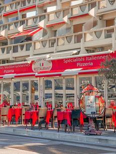 Cosa Nostra La Grande Motte est un restaurant italien sur le Quai d'honneur en centre-ville. ( ® facebook la cosa nostra)