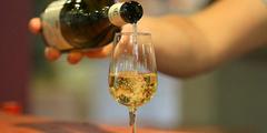 Dégustation de vins à Nîmes (® networld-fabrie chort)