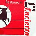 L'Encierro Grau du Roi est un restaurant de cuisine fait maison qui propose une carte de plats traditionnels avec des tables en terrasse pour les beaux jours.