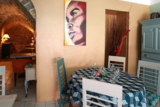 Restaurant L'Esclafidou Nîmes propose une cuisine fait maison authentique en salle joliment décorée ou en terrasse (® SAAM-fabrice Chort)