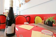 Le restaurant Le Mogador Nîmes vous reçoit en centre-ville sur la Place du Marché (® networld-fabrice chort)